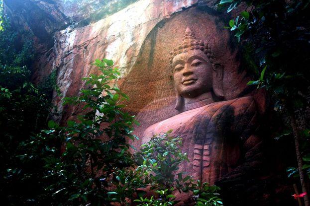 เสิงสางพบปฏิมากรรมพระพุทธรูปหน้าผาสุดสวยงามคาดไม่นานเป็นอีกหนึ่งสถานที่ท่องเที่ยวยอดฮิตในโคราช